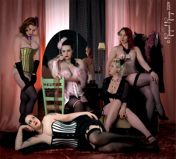UK burlesque performers by Raquel Rouge