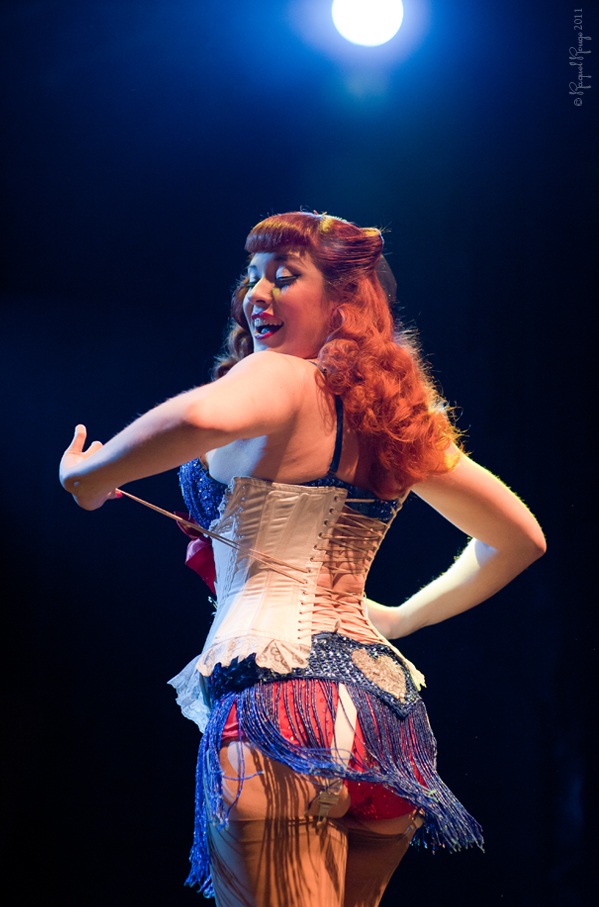 German burlesque star Lada Redstar