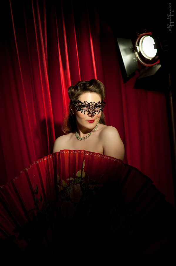 Burlesque style makeover portrait by Raquel Rouge