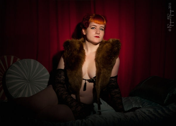 Burly girl Miss Von Vamp photographed by Raquel Rouge in her Leamington Spa studio