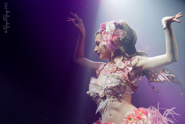 Burlesque fairy Emmanuelle Claire