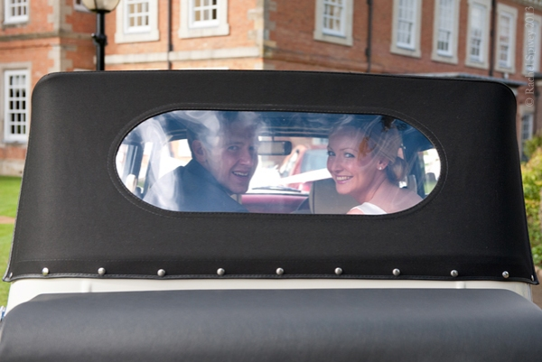 Newlyweds_in_wedding_car Clopton House Stratford upon Avon