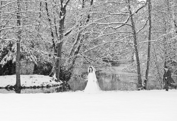 Newlyweds in the snow at Wroxall