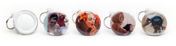Burlesque_keyring_mirrors